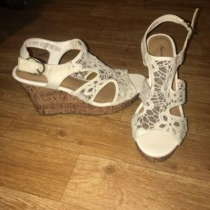 AE Lace Wedges